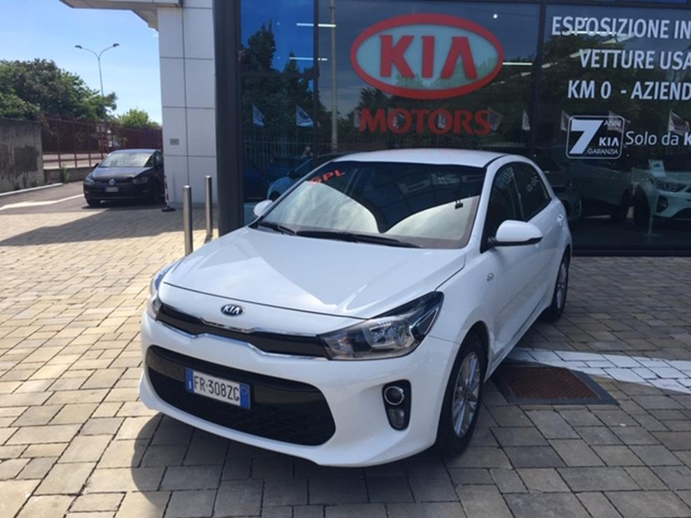 Kia Rio Evolution Berlina Benzina