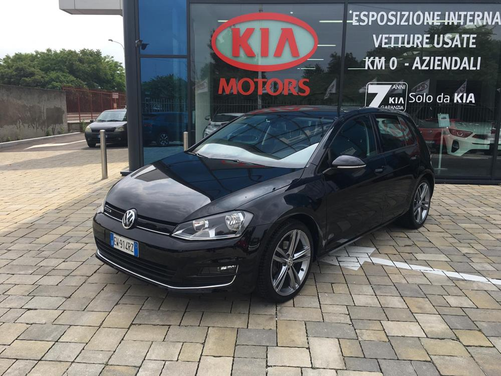 Volkswagen Golf Highline Berlina Benzina